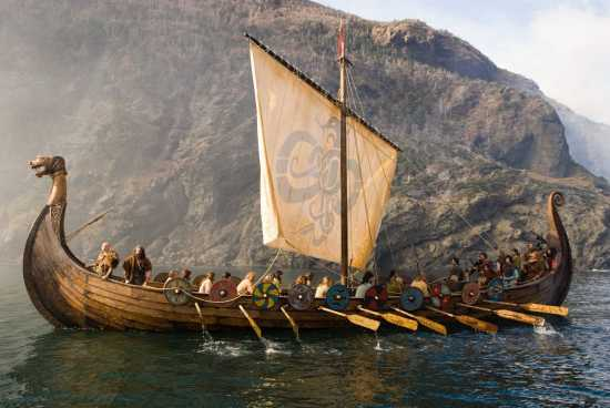 vikingo navegando